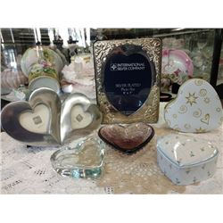 LOT OF 6 HEART SHAPED ITEMS PLUS 1 DOILY
