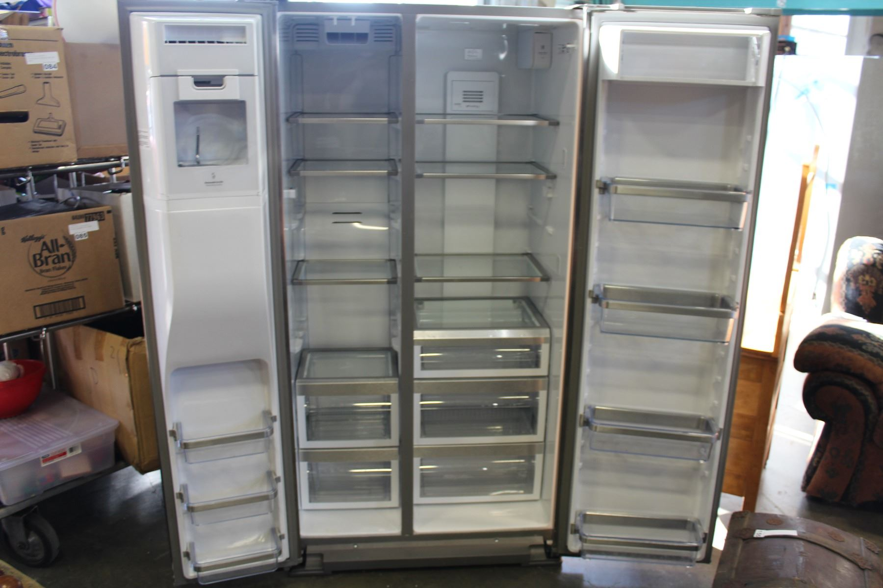 ... Image 5 : NEW KITCHEN AID STAINLESS FRENCH DOOR COUNTER DEPTH FRIDGE  WITH DIGITAL SCREEN WATER ...