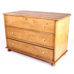 Early American Pine Blanket Chest Over Drawer