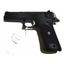 Smith & Wesson Model 422 22 LR.