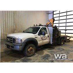 2006 FORD F550 S/A PICKER TRUCK