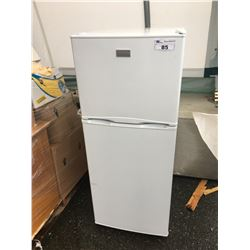 FRIDGIDAIRE APARTMENT SIZED FRIDGE - NOT WORKING