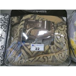 J. QUEEN NEW YORK QUEEN COMFORTER SET