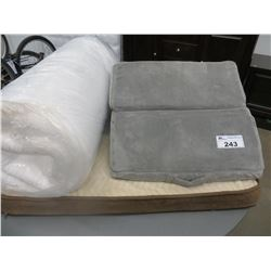 BACK WEDGE PILLOW/LARGE PET BED/ROLL OUT FOAMY
