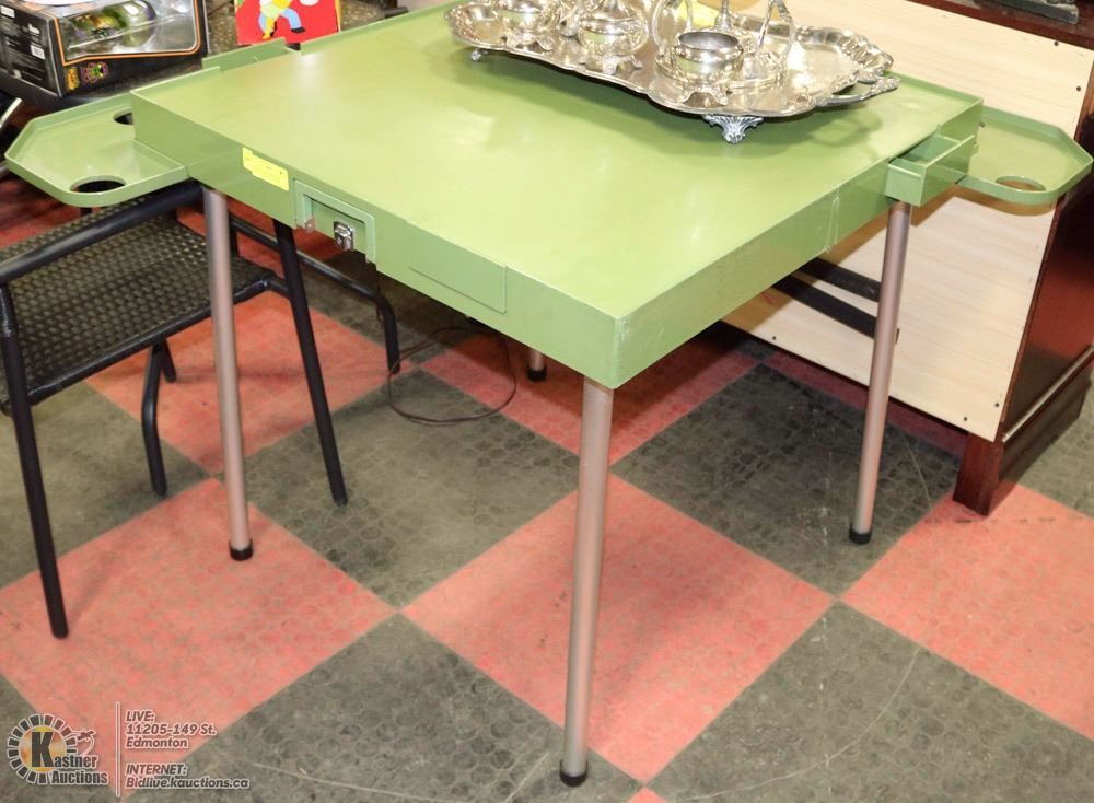 Folding table with drink holder and chip drawers for 52 folding table