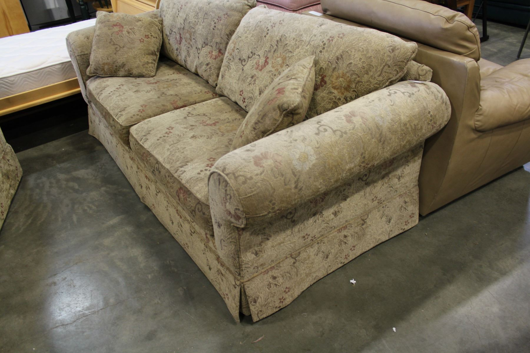... Image 2 : COUCH POTATO SOFA AND LOVESEAT ...