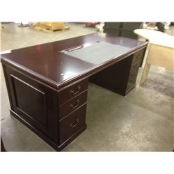 MAHOGANY TRADITIONAL 6' X 3' EXECUTIVE DESK