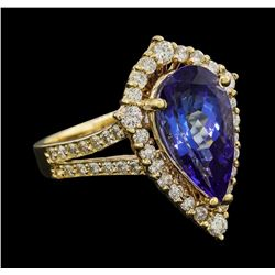 3.90 ctw Tanzanite and Diamond Ring - 14KT Yellow Gold