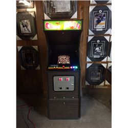 NEW OLD STOCK 1982 ARCADE CABINET WITH 60 BUILT IN CLASSIC GAMES ( PACMAN, DONKEY KONG, GALAGA...)