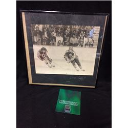 AUTOGRAPHED VINTAGE WAYNE GRETZKY PHOTO WITH FRAME  AND COA