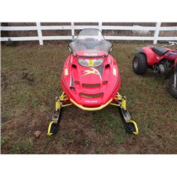 2001 Polaris 600 Edge X -DOES NOT RUN, NEEDS MOTOR SN#-4XANP6ES01B116195
