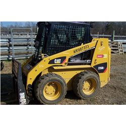 CAT 226B3 SKID STEER, CAB  AIR, HOURS SHOWING: 410, SELLS W/ NO ATTACHMENTS, S: CATD226BLMWD07373 (W