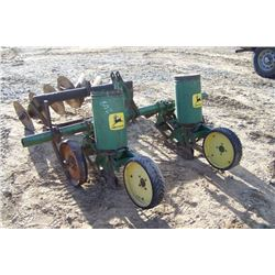 2 ROW JOHN DEERE CORN PLANTER