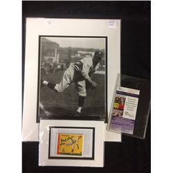 WAITE HOYT AUTOGRAPHED CARD WITH PHOTO (JSA COA)