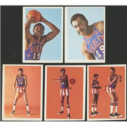 Lot of (5) 1971-72 Globetrotters with #33 Mel Davis, #42 Bobby Joe Mason / Frank Stephens, #41 Bobby
