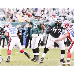 Donovan McNabb Signed Eagles 11x14 Photo (CAS COA)