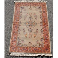 BEAUTIFUL HAND MADE PERSIAN DESIGN RUG