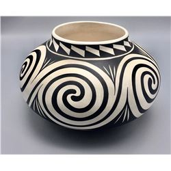 Navajo Pot - Mary Saxon