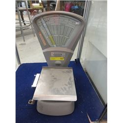 Pitney Bowes Postal/Shipping Scale