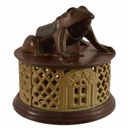 Frog on Round Base Cast Iron Mechanical Bank