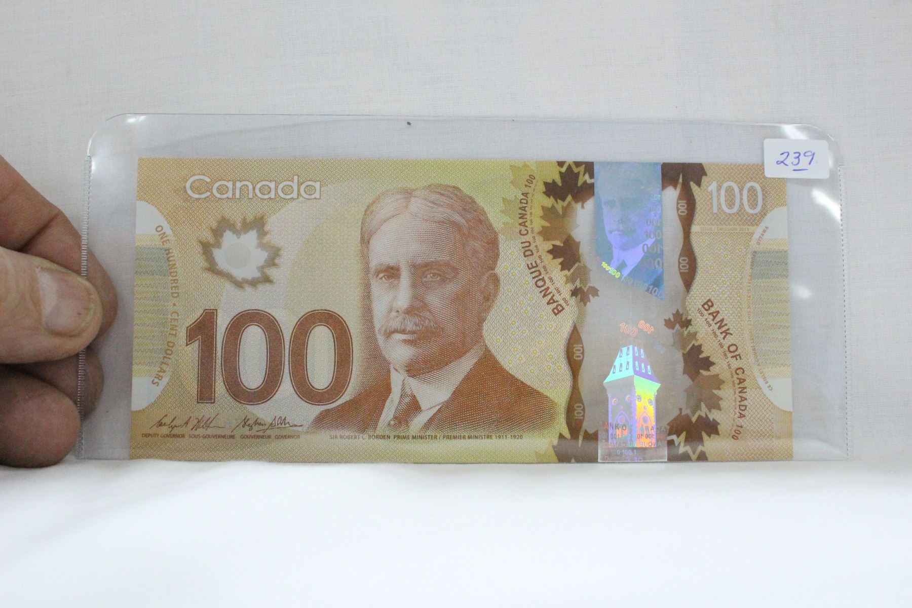 Canada One Hundred Dollar Bill - 2017 - Polymer