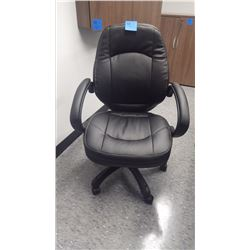 HIGH END BLACK LEATHER BOARDROOM CHAIRS ON WHEELS