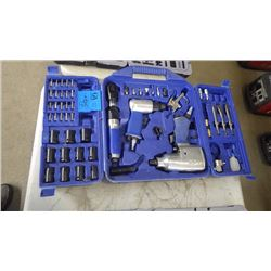 CAMBELL HAUSFELD AIR TOOL W/SOCKETS / BITS AND ATTACH