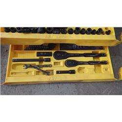 STANLEY TOOL BOX W/3 TRAYS / SOCKET AND BITS METRIC AND IMPERIAL