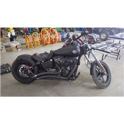 2009 HARLEY DAVIDSON FXCWC ROCKER C  VIN 5HD1JK5139Y027599 AND 13545 KMS WITH 96.66 CUBIC INCH  V2 F