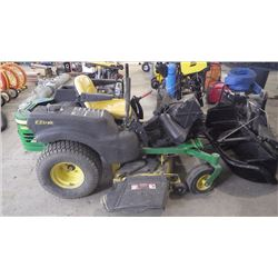 JOHN DEER ZERO TURN MOWER WITH BAGGER