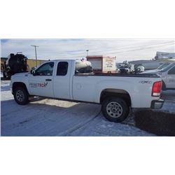 2011 GMC 3500 SIERRA EXT CAB 4 X 4 LONG BOX 6.0L V8 GAS VIN 1GT522CGXBZ355132 ….NO PST….WITH 177529