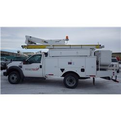2010 FORD F550 4 X 4 BUCKET TRUCK VIN 1FDAF5HR3AEA28846 ....BOTH TAXES....WITH 106620 MI. 6.4L TURBO