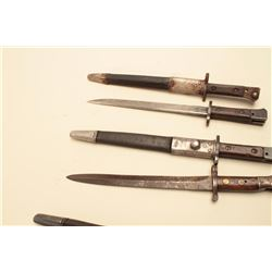 Lot of 5 Enfield short pattern bayonets, 3 with sheaths.