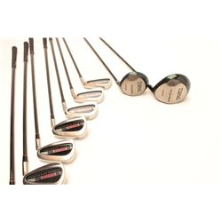 Mans golf club set with bag. Brand new never used.