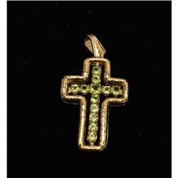 18kt handmade cross with 6.5kt Peridot 18.3gr. Estate consigned. Est.:
