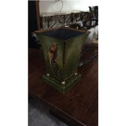 Ardley Hall Hand Painted Toll Metal Center Piece