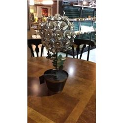 Ardley Hall Hand Painted Metal Flower