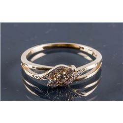 10k Yellow Gold Diamond Swirl Style Ring CRV$2250