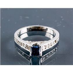 14k White Gold Blue &White Diamond Ring CRV$6875