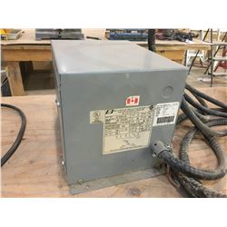 BEAVER 3 PHASE 240 VOLT POWER TRANSFORMER