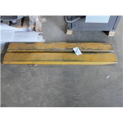 PAIR OF FORKLIFT EXTENSIONS