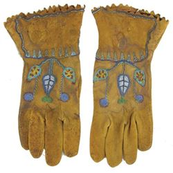 Plateau Beaded Gloves