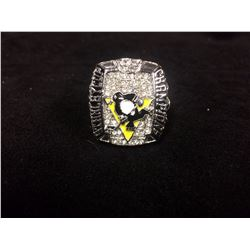 PITTSBURGH PENGUINS REPLICA STANLEY CUP RING (SIDNEY CROSBY 2009)