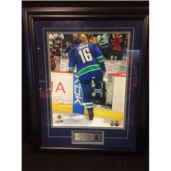 "TREVOR LINDEN AUTOGRAPHED 24"" X 30"" PHOTO (LINDEN'S FINAL GAME 4-5-08) GAMEDAY AUCTION COA"