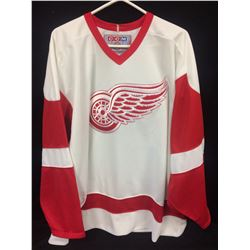 DETROIT RED WINGS HOCKEY JERSEY (CCM)