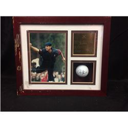 PAYNE STEWART AUTOGRAPHED GOLF BALL W/ PHOTO & PLAQUE (FRAMED)