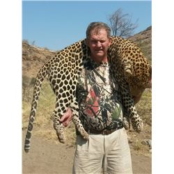 Namibia – 14 Day - Leopard and Giraffe Hunt for Two Hunters