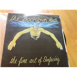 VINYL RECORD - THE BOOMTOWN RATS - THE FINE ART OF SURFACING - SRM-1-3810 - ENSIGN = UK = 1979 - con