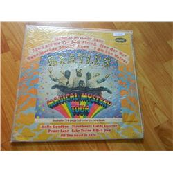 VINYL RECORD - BEATLES - MAGICAL MYSTERY TOUR - 2 LP'S - SMAL-2835 - CAPITOL USA - COVER AS-IS - con