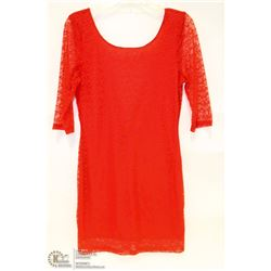 SIZE LARGE RED SCOOP NECK WITH DEEP V BACK MID